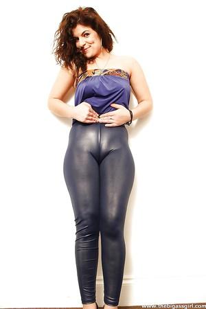 milfs in leggings