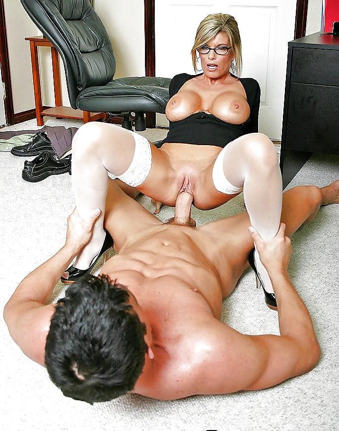kinky-fetish-free-office-milf-porn-love-hewitt