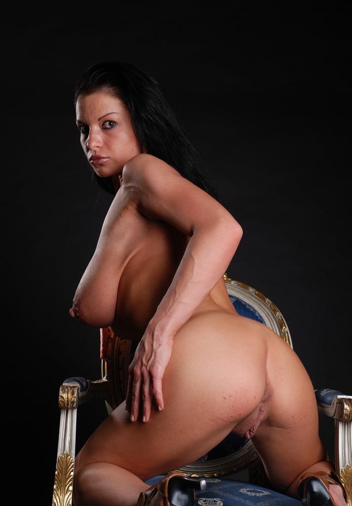 Hot Nude Photos Big ass massage porn