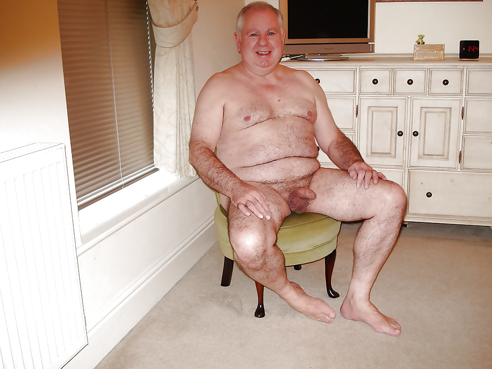 spears-naked-gay-senior-naked-man-older-women