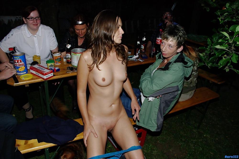 Пьяные девчонки раздеваются — pic 8