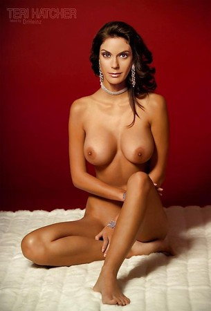 Amateur women nude spread legs