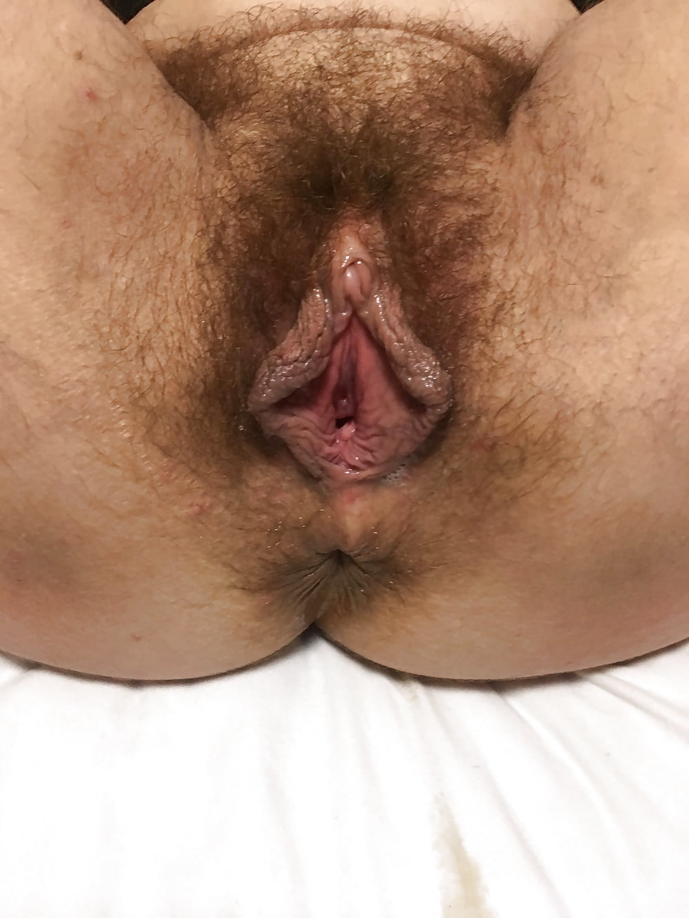 Black hairy pussy lips