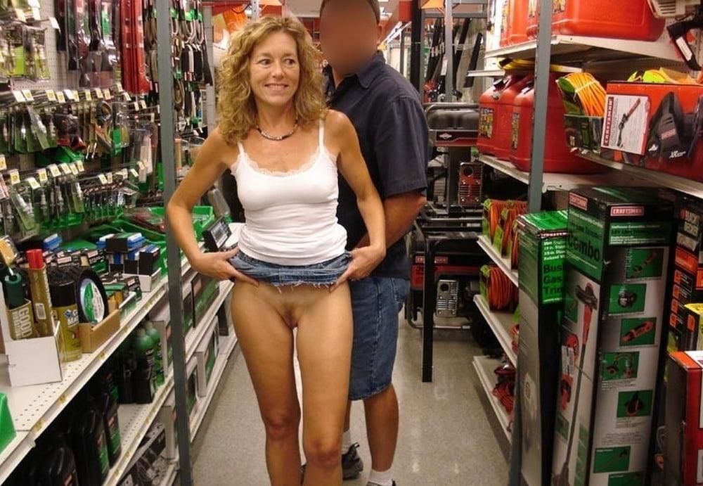 Public Flashing In Walmart