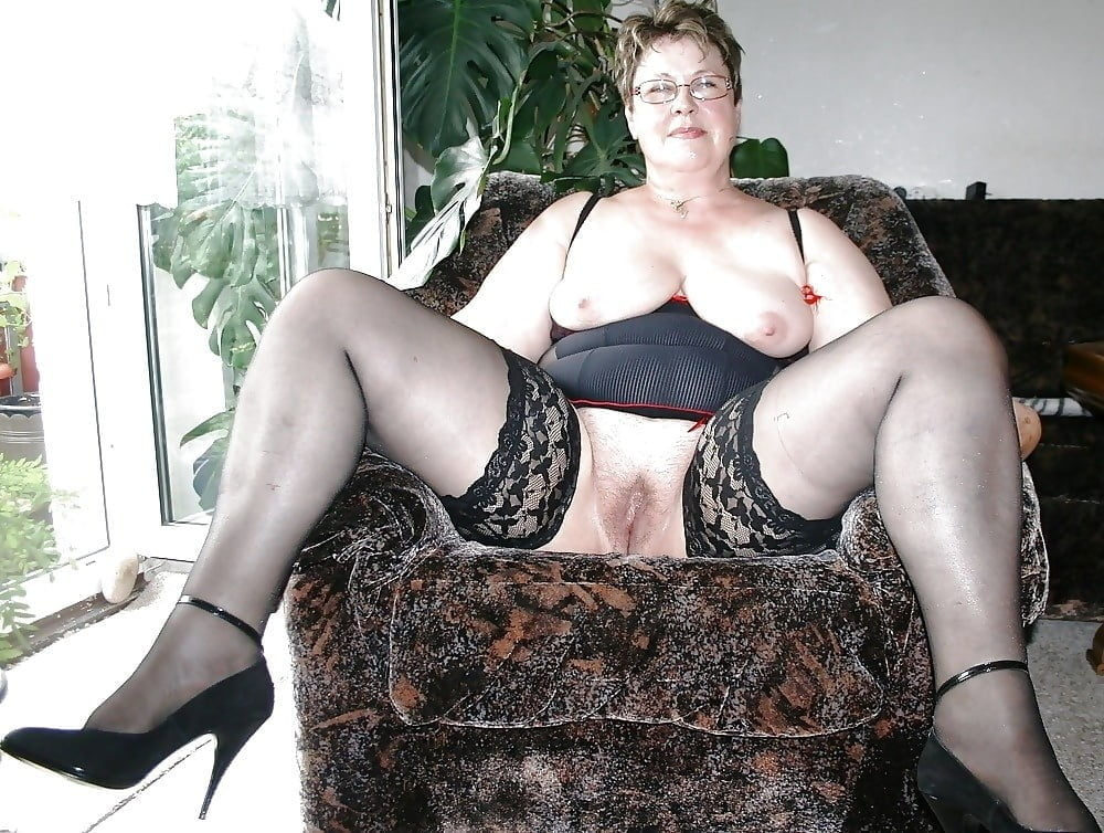 Mature & granny- 23 Pics