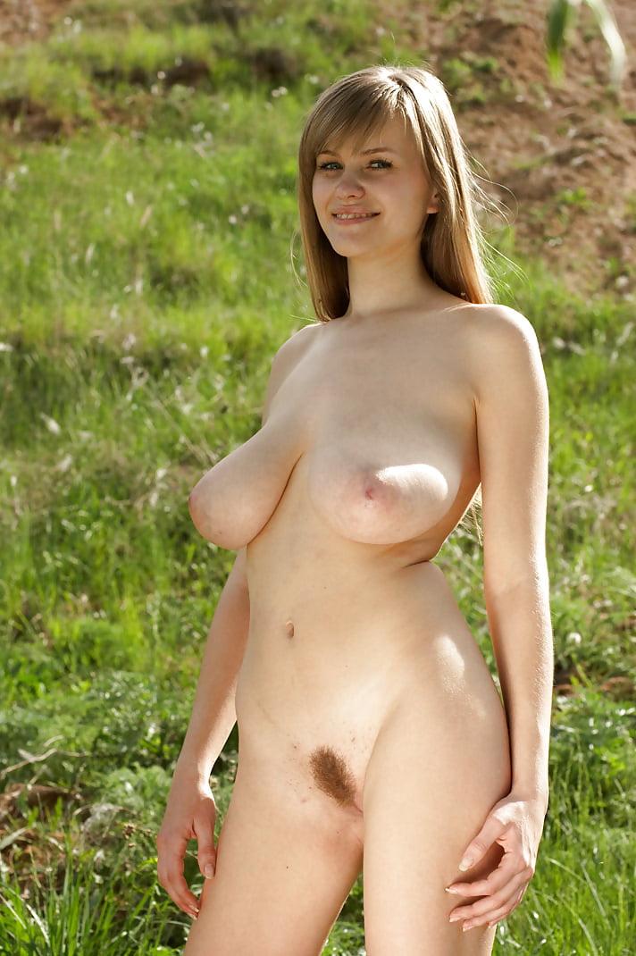 Nice Floppy Tits - 13 Pics  Xhamster-2988