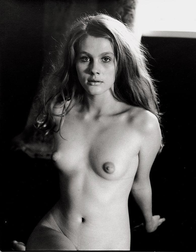 sarah-marshall-nude-photos-hot-latino-giving-deep-blowjob