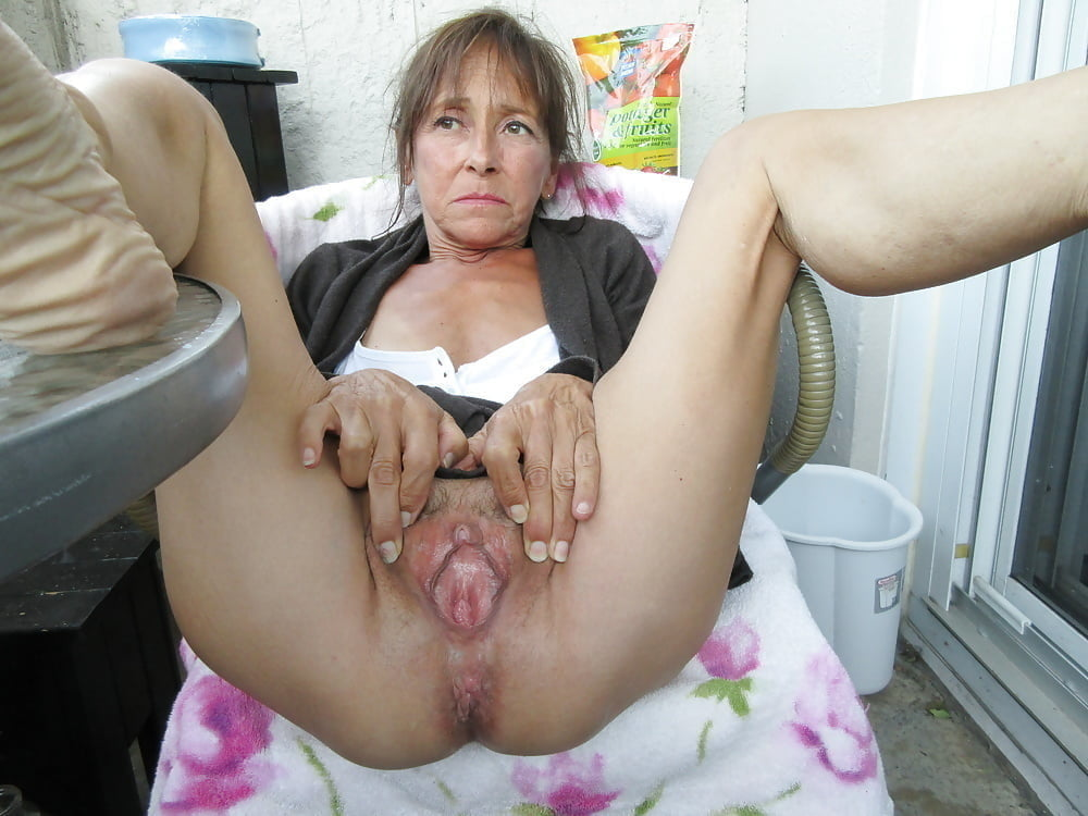 Submissive housemaid banged in all holes (servante soumise) - 86 Pics