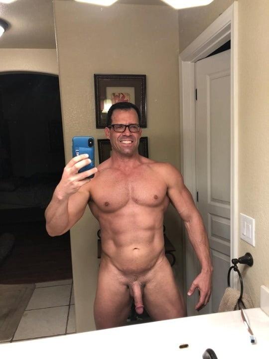 nude-guys-take-phone-pics-benz