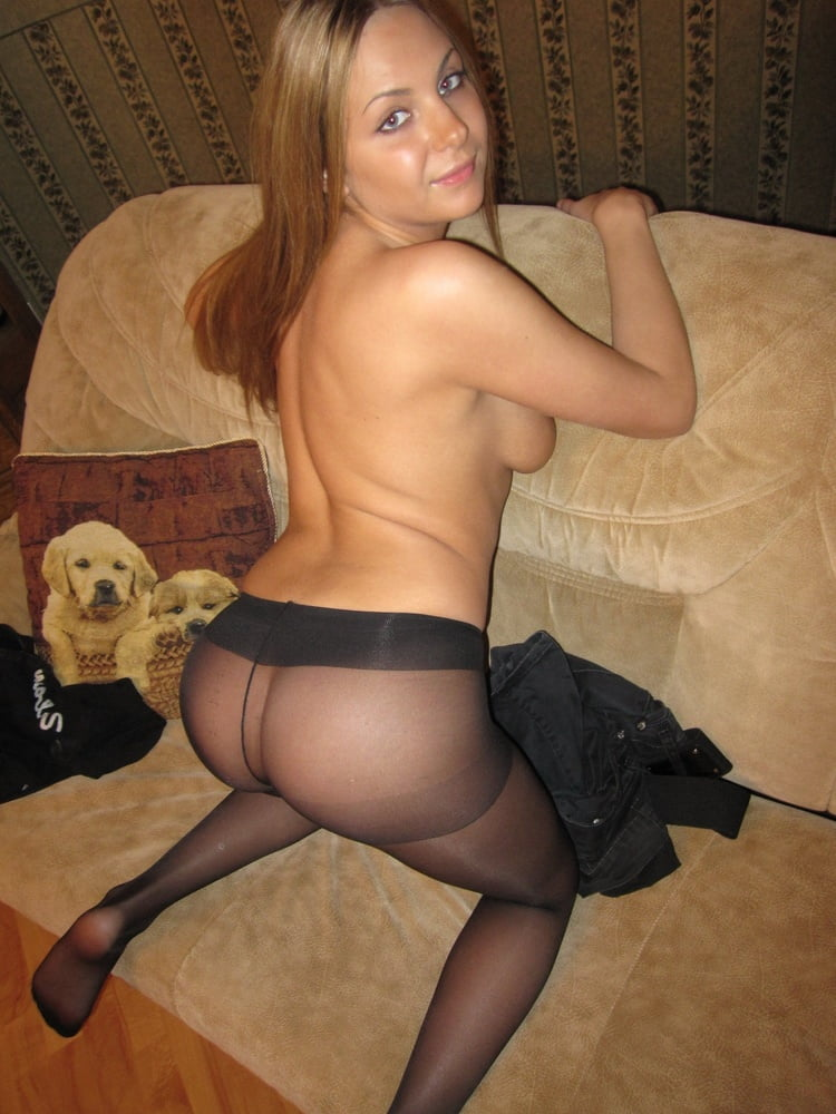 Sexy blonde in pantyhose - 17 Pics