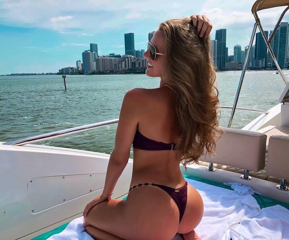 Bikini girl on boat is soon left red