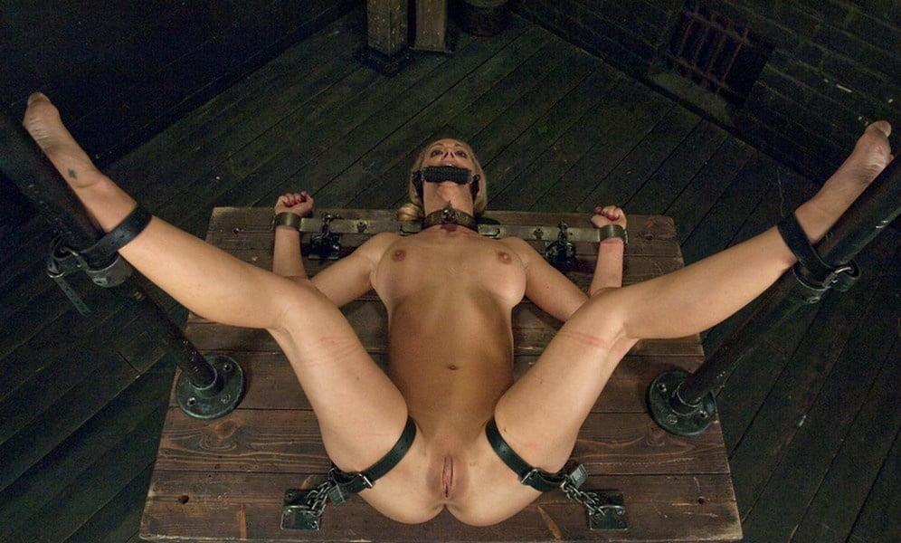 Nude Bondage Spread Eagle