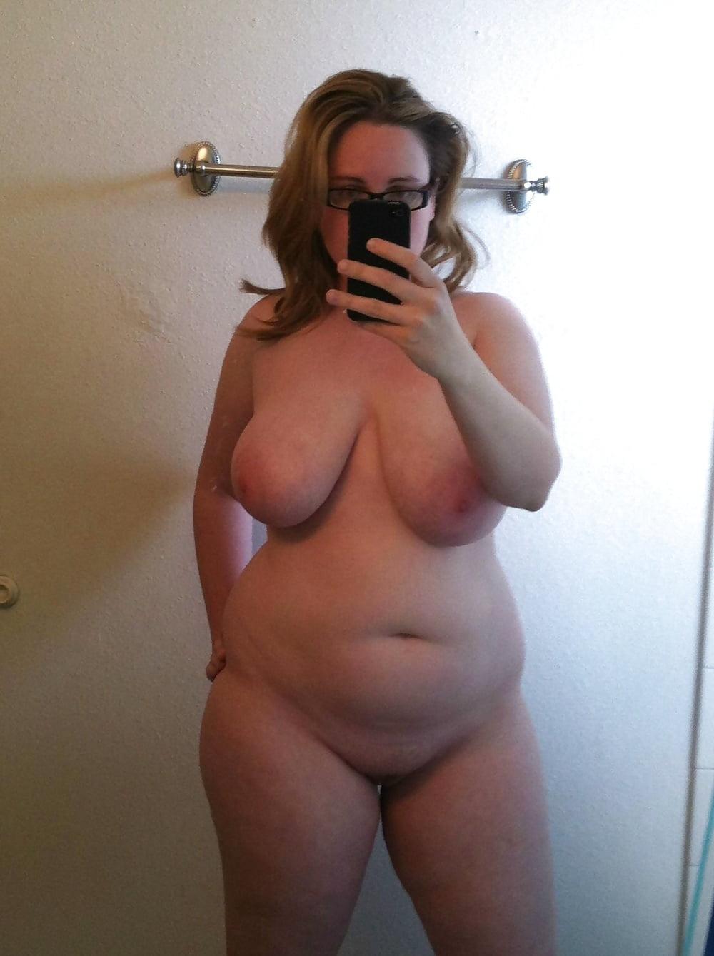 Naked bbw mom self shot guys fuked
