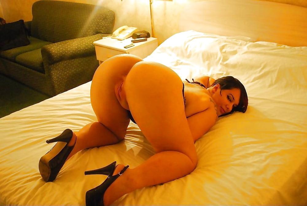 seks-video-v-spalne-na-divane-samaya-bolshaya-popa-porno-onlayn-konchayushie-devushki-struyami