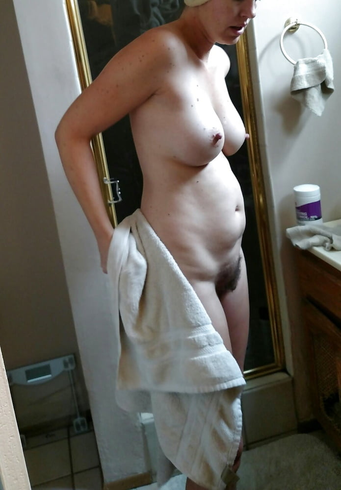 Gals and their Towels - 23 Pics