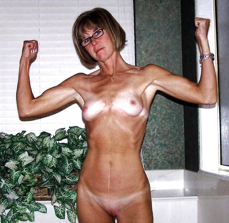 Sexy fit naked moms