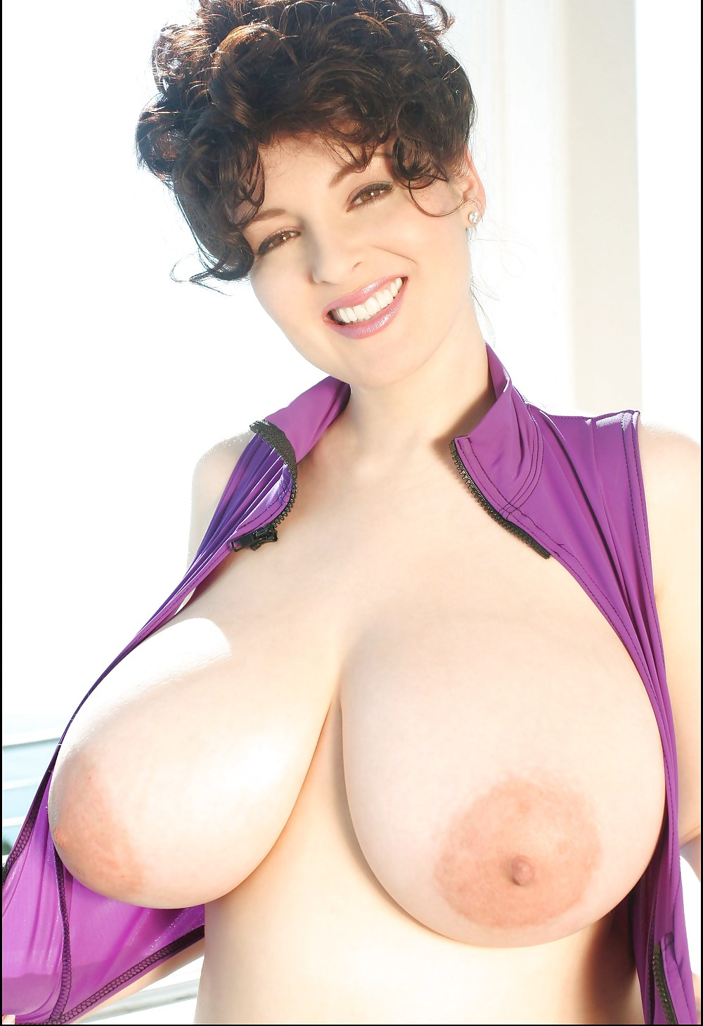 Famous big boobs — pic 3