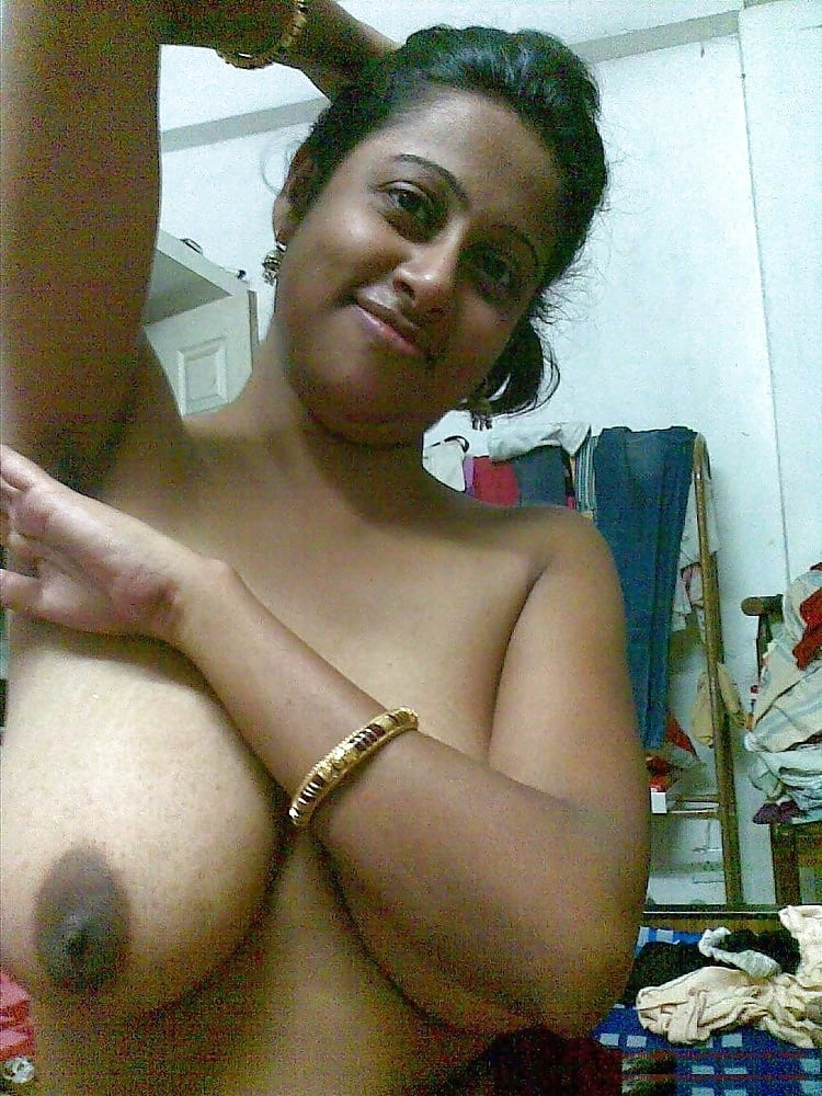 Hottest sexy desi mumbai indian girl showing her big boobs nipples and pussy hole nude photos