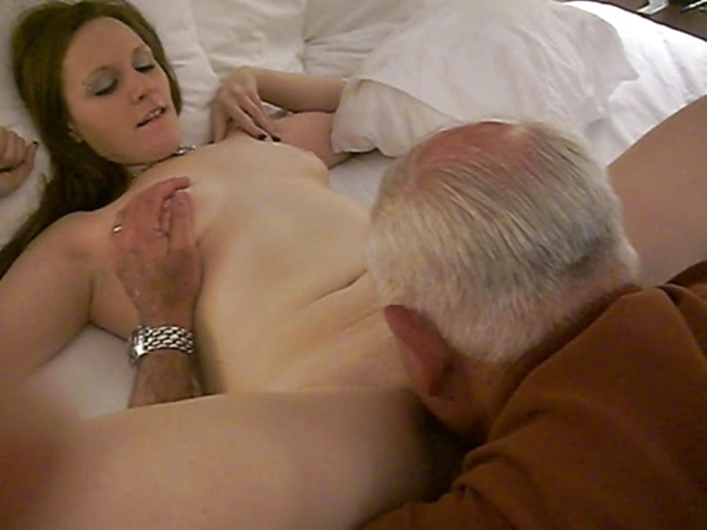 smotret-porno-video-kak-stariy-muzhik-delaet-kuni