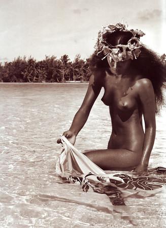 Celebrity Nude Beaches Of Tahiti Scenes