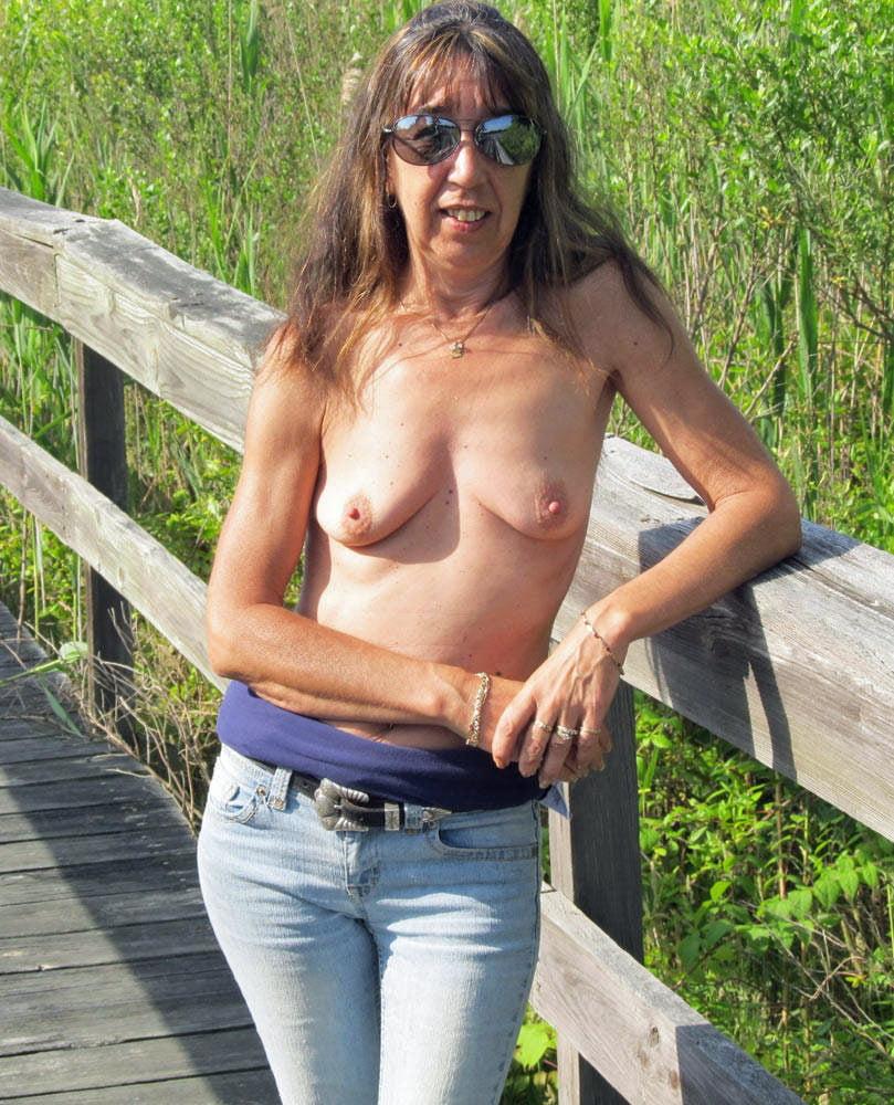 Mature Small Saggy Tits Hd