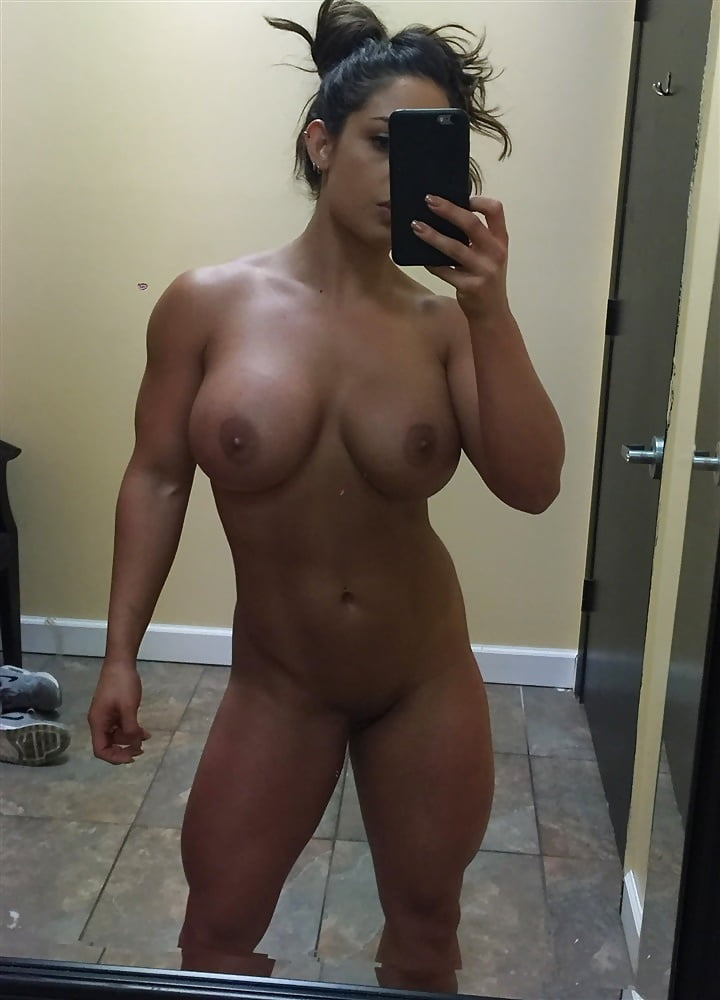Kaitlyn wwe fake nude pictures
