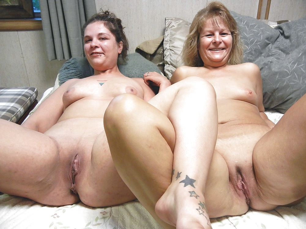 Free nude pictures of mothers and daughters