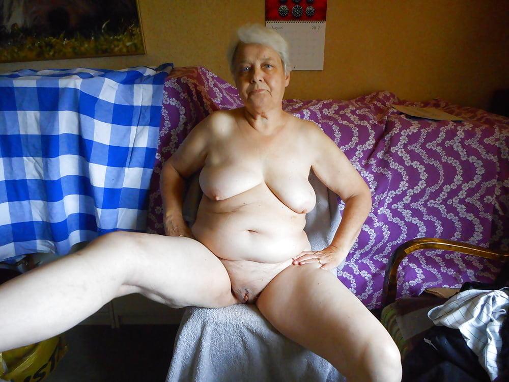 Amateur women nude photos #1