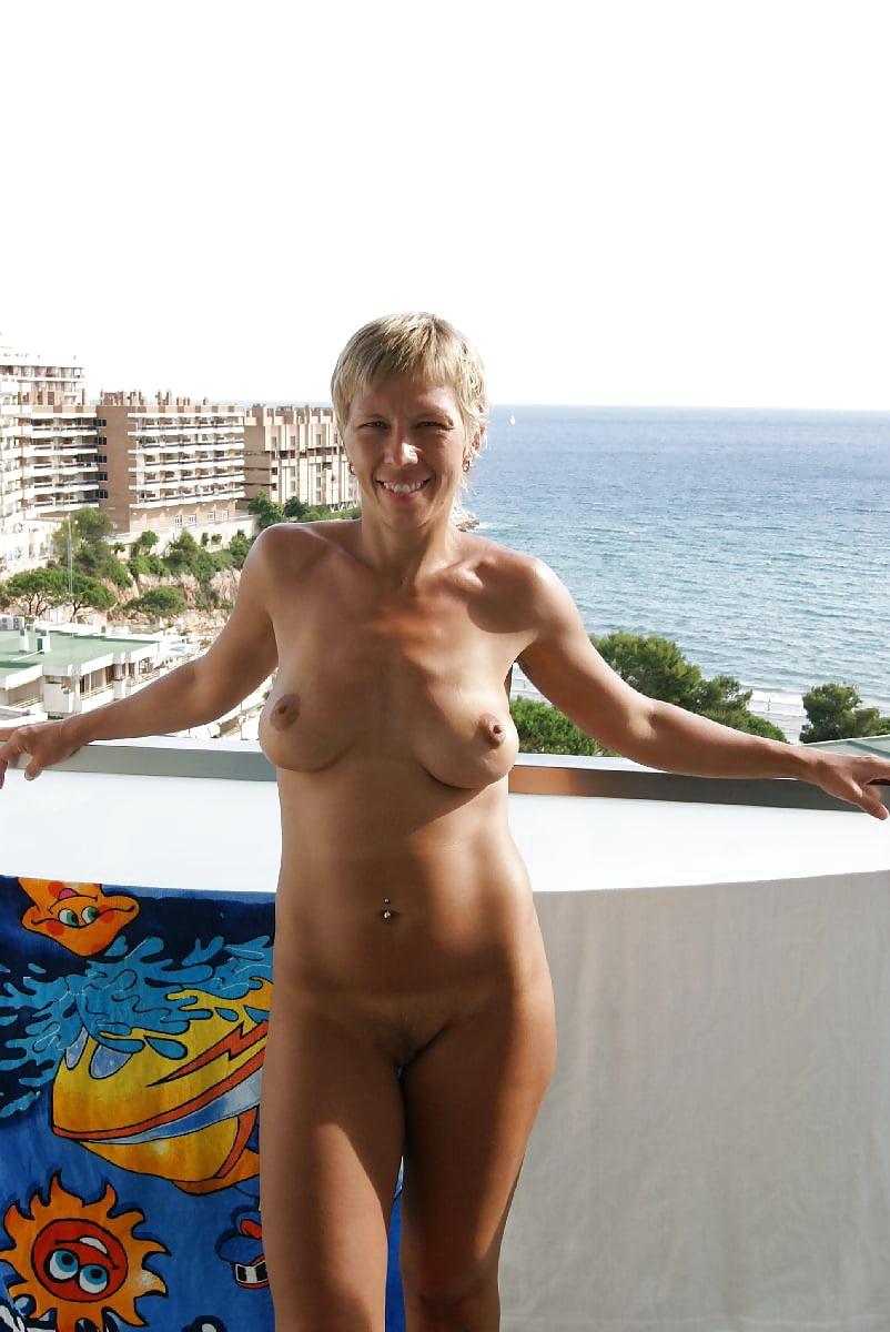 Сексуальное фото жены на отдыхе фото ню после большого