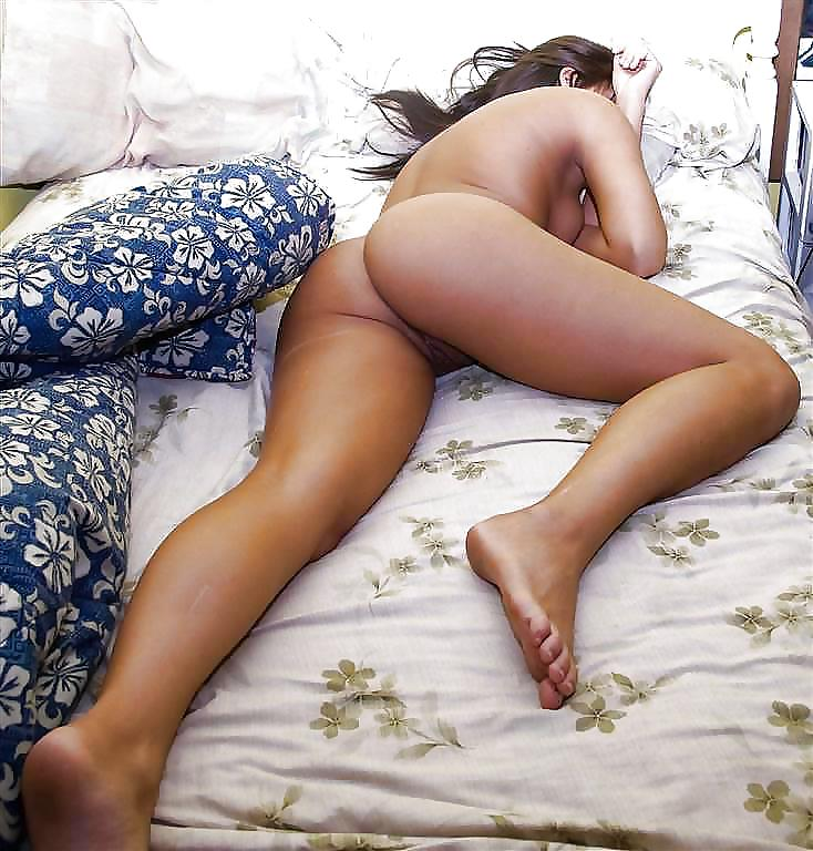 Girl Sleeping Totally Naked