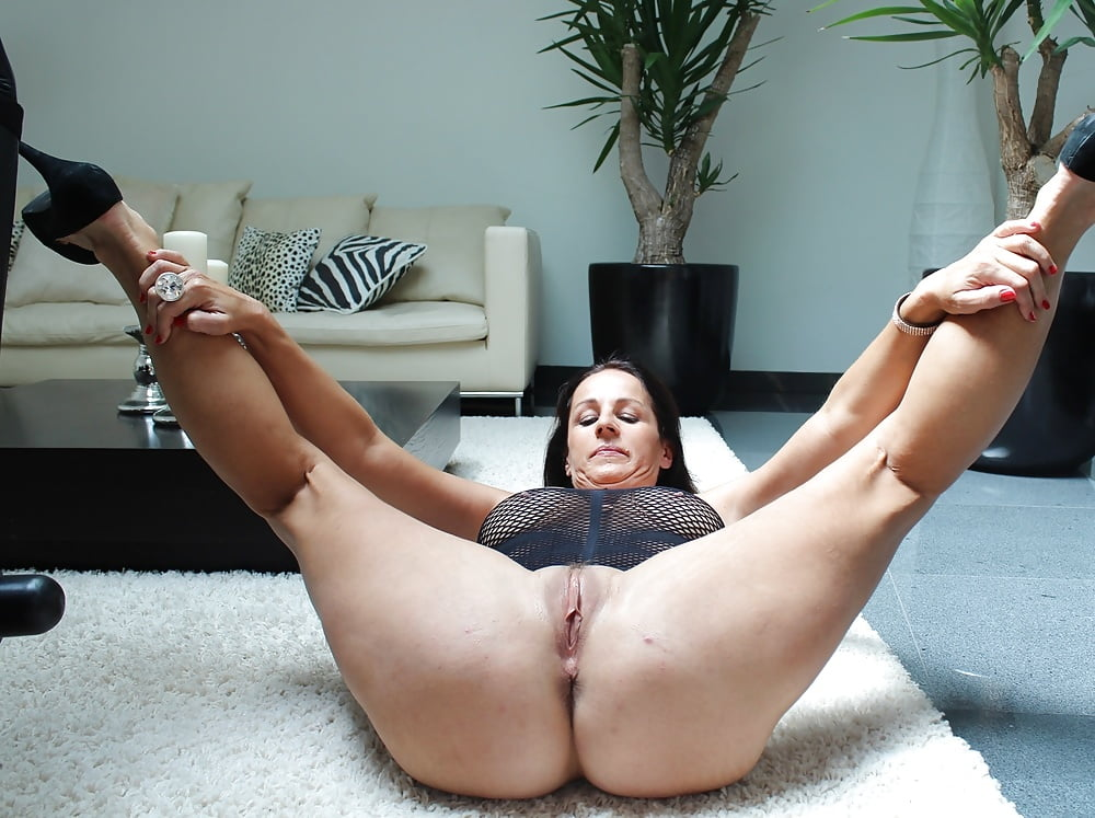 Amateur It Is Between Her Legs Ama Pornpaw 1
