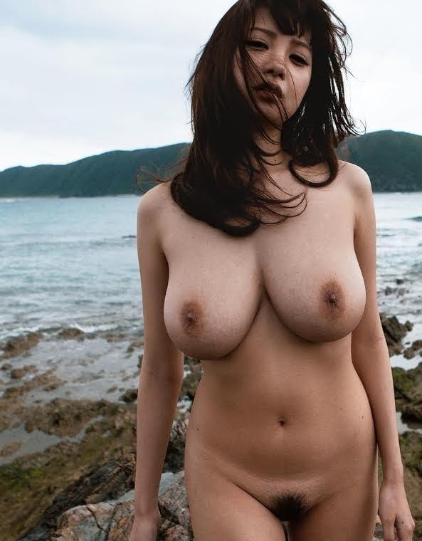 ASIAN BABES - 20 Pics