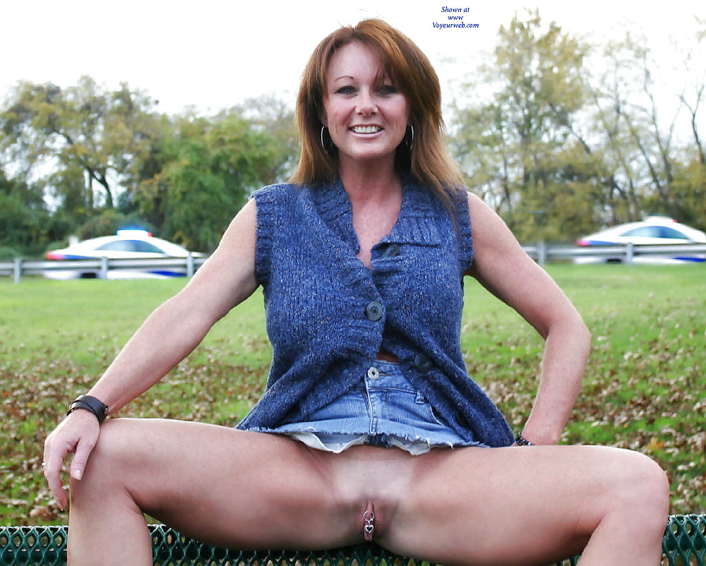 Big tits milf pussy flash