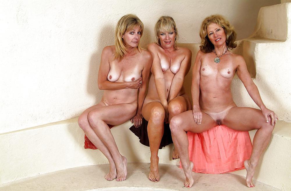 Janet, Tina, Marlee - Barefoot Mature Sluts - 34 Pics -1045