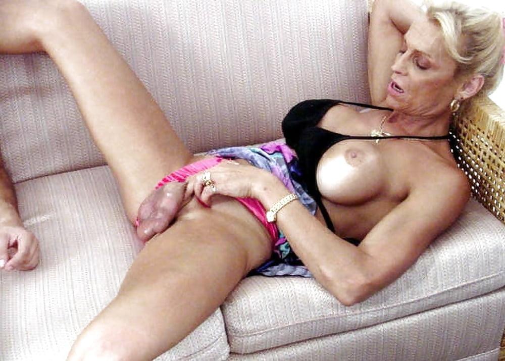 Granny shemale porn pics