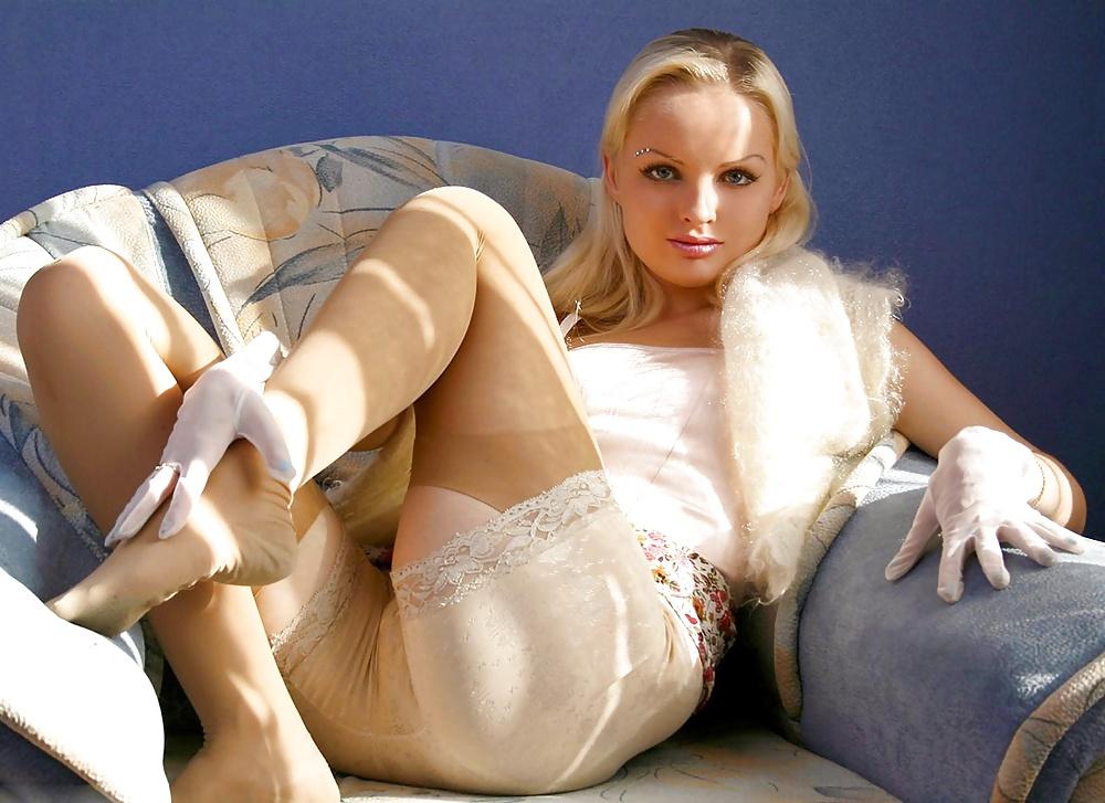 Фото голых дам в комбинации и панталонах 13