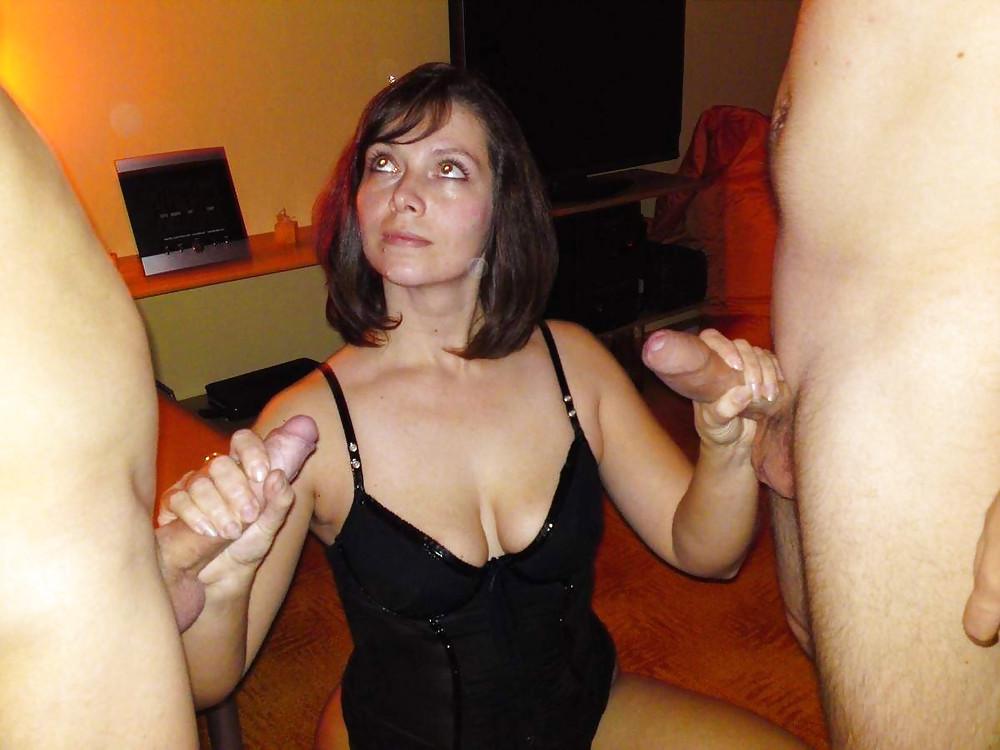 фото русских жен держащихся за член позже