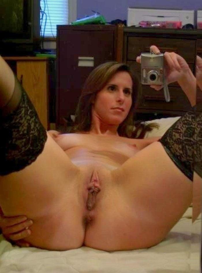Milf pussy masturbation