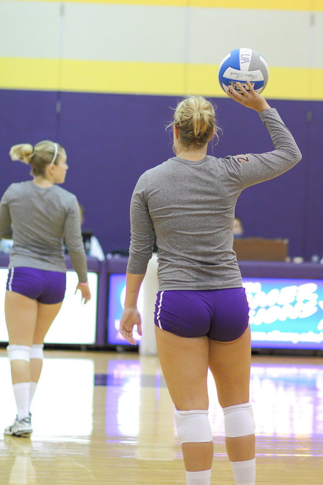 Women's volleyball anyone