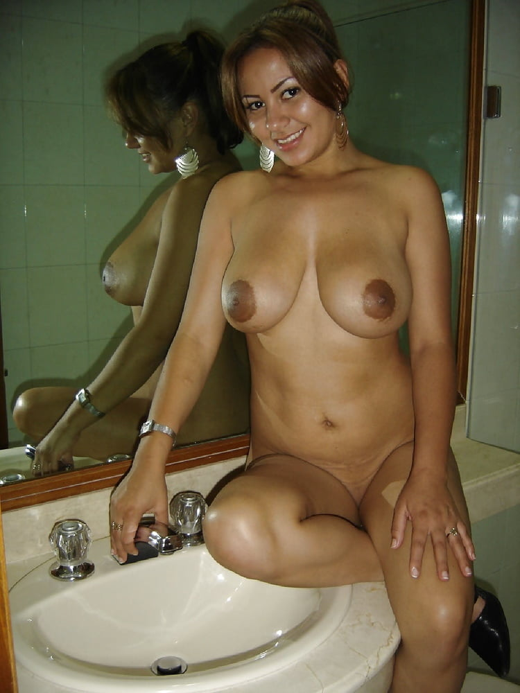 Sexy Naked Milfs With Fake Boobs