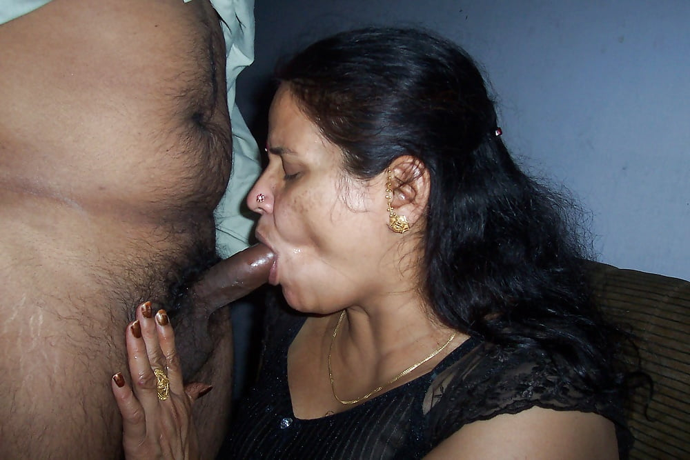 Real Indian Oral Sex With Hot And Horny Desi Girlfriend