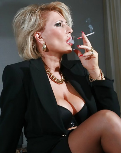 mature-smoking-milf-nude-male-models-with-tattoos