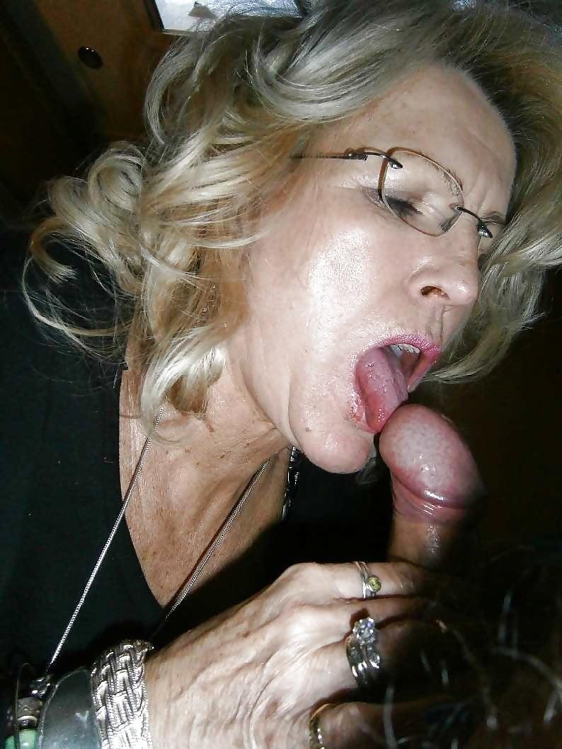 latina-photos-old-lady-blowjob-sex-photo-gang