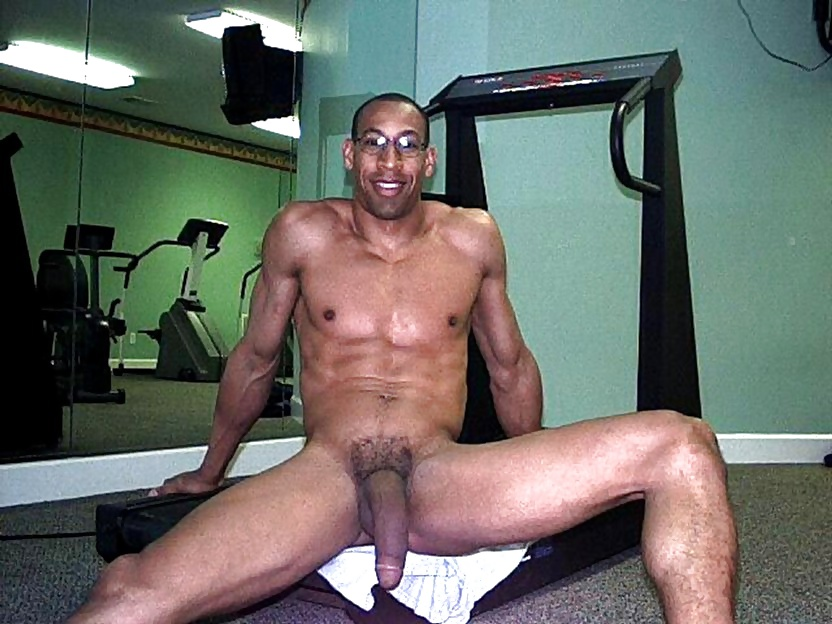 Muscled black man jacking off his big cock