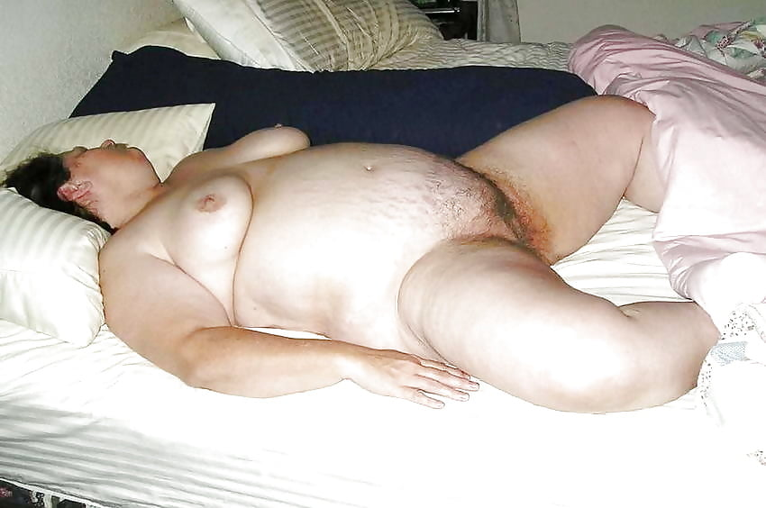 naked-with-bbw-sleep-pussy