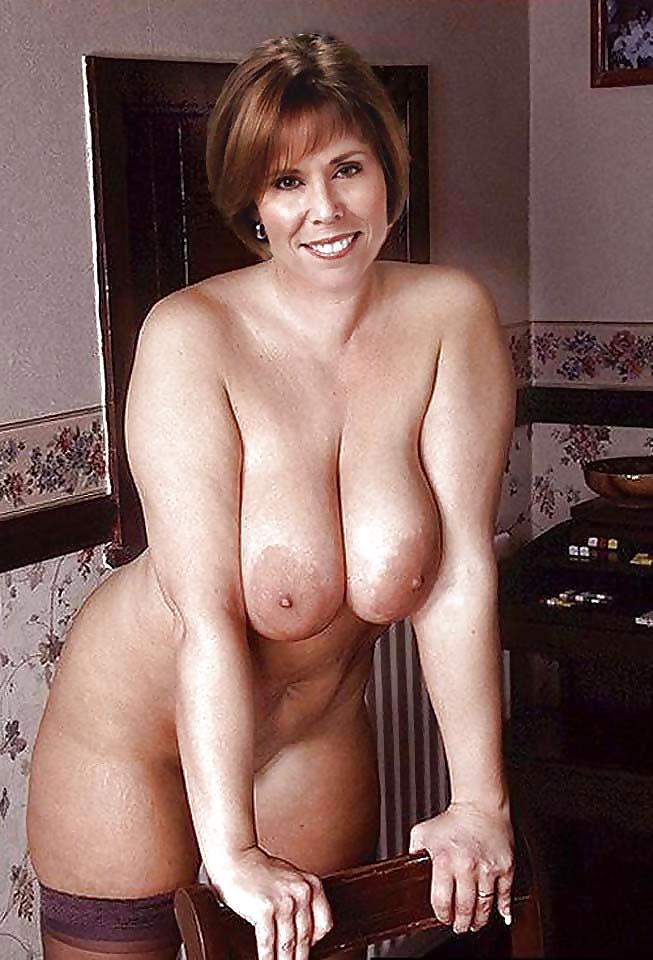 nude-busty-mom-free-allison-hannigan-sex-tape