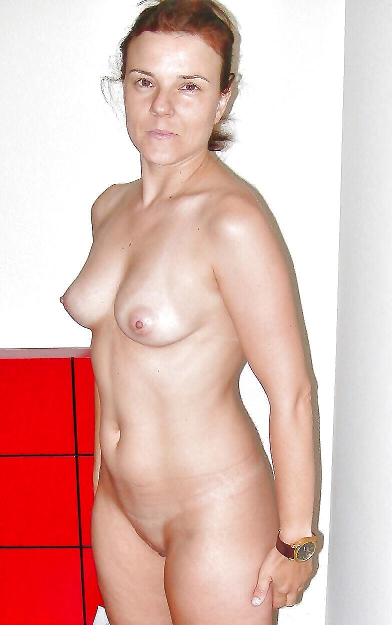 Petite nude amateur model