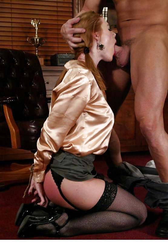 несколько мужчина наказали сучку возбуждать