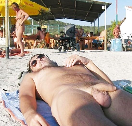 Nude men sunbathing pics