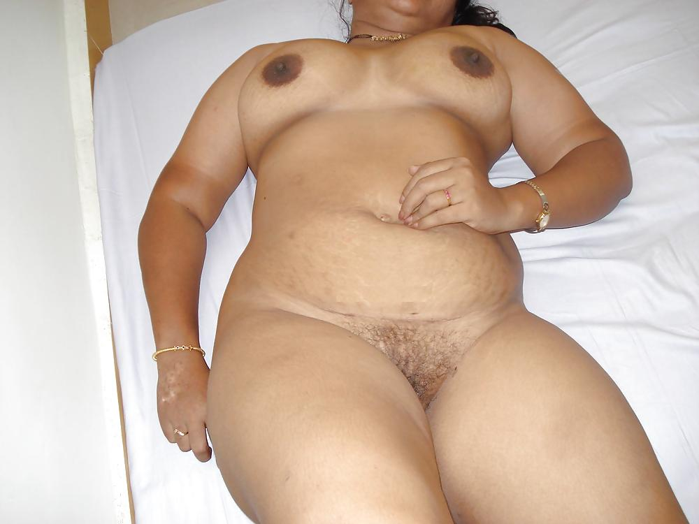 shakeela-chubby-nude-blow-huge-slut